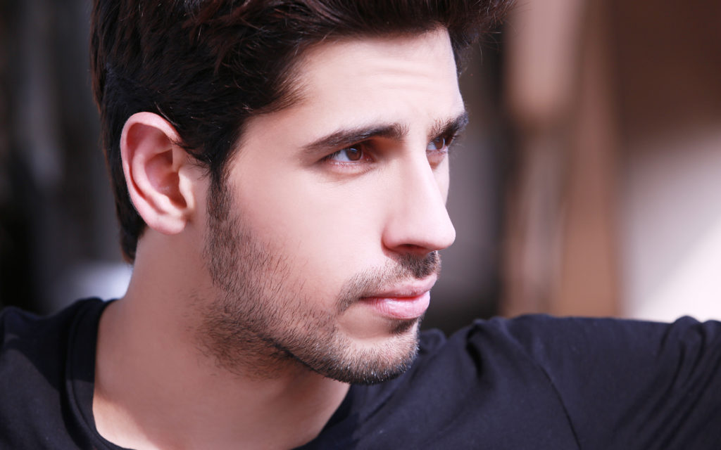 Handsome Sidharth Malhotra Face Picture