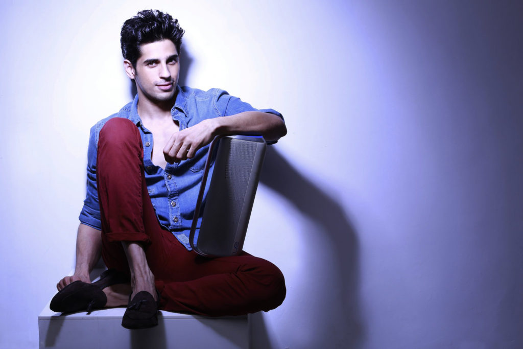 Stylish Actor Sidharth Malhotra HD Photo